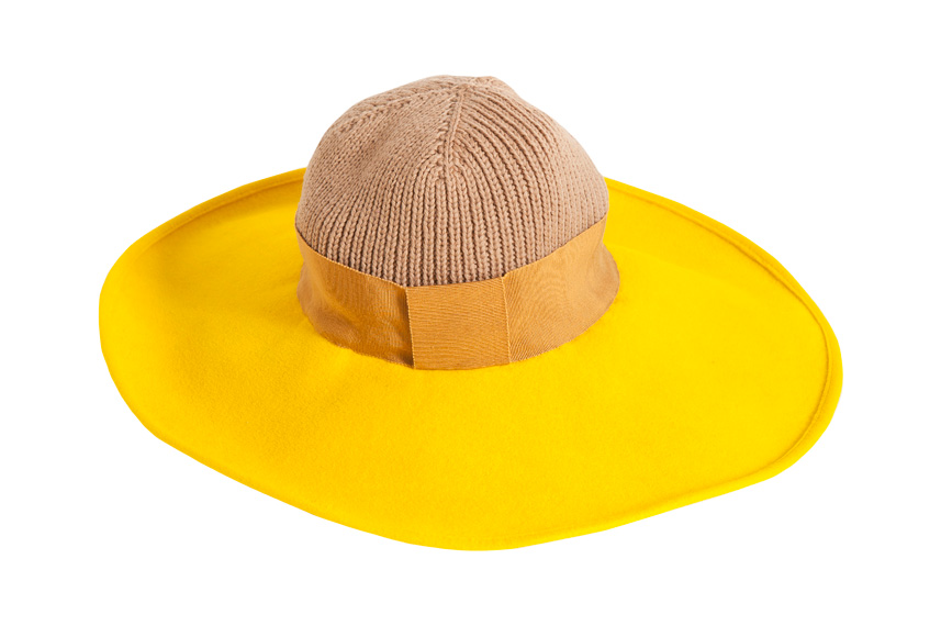 Yellow woolen hat (Fall/Winter 2007-2008)