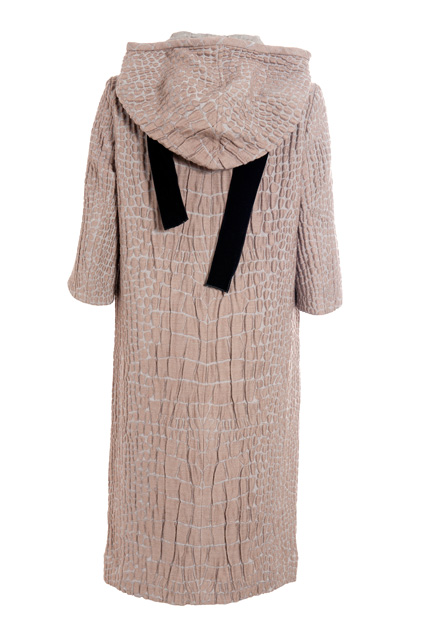 Platinum gray alpaga jacquard hooded dress, back view (Fall/Winter 2007-2008)